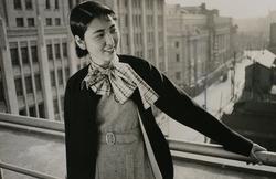 作品画像:映画会社の女性事務員