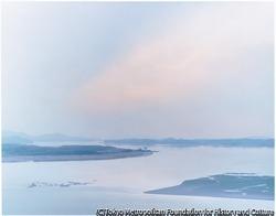 作品画像:村-北朝鮮と韓国の西部最前線を望む