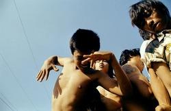 作品画像:Dancing on Truck, Nabua, 2008
