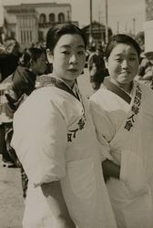 作品画像:国防婦人会の女性