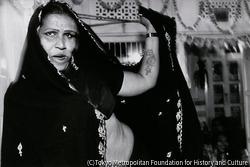作品画像:アーイシャの誕生パーティで踊るラージャスターンのユーナック