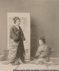 作品画像:昔の上流階級の娘の衣装