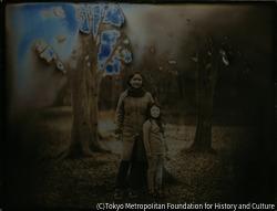 作品画像:2012年2月16日、東京都夢の島公園、粟津恵、チカ