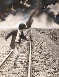 作品画像:(線路を走る人)