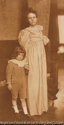 作品画像:R夫人と息子のポートレイト