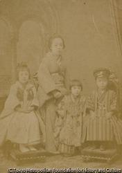作品画像:(女性と三人の子供)