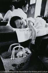 作品画像:毒ガスをのがれて 具志川市川崎小学校にて