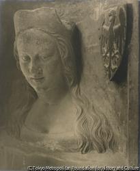 作品画像:アンナ・シフィドニツカ、カール4世の3番目の妃、大聖堂の高窓の胸像