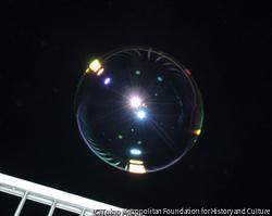 作品画像:光をはらむシャボン玉