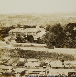 作品画像:第一 北方 東京高等師範学校を隔てゝ池の端茅町方面を望む