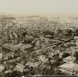 作品画像:第五 西方 駿河台南甲賀町より神保町を隔てゝ九段番町を望む