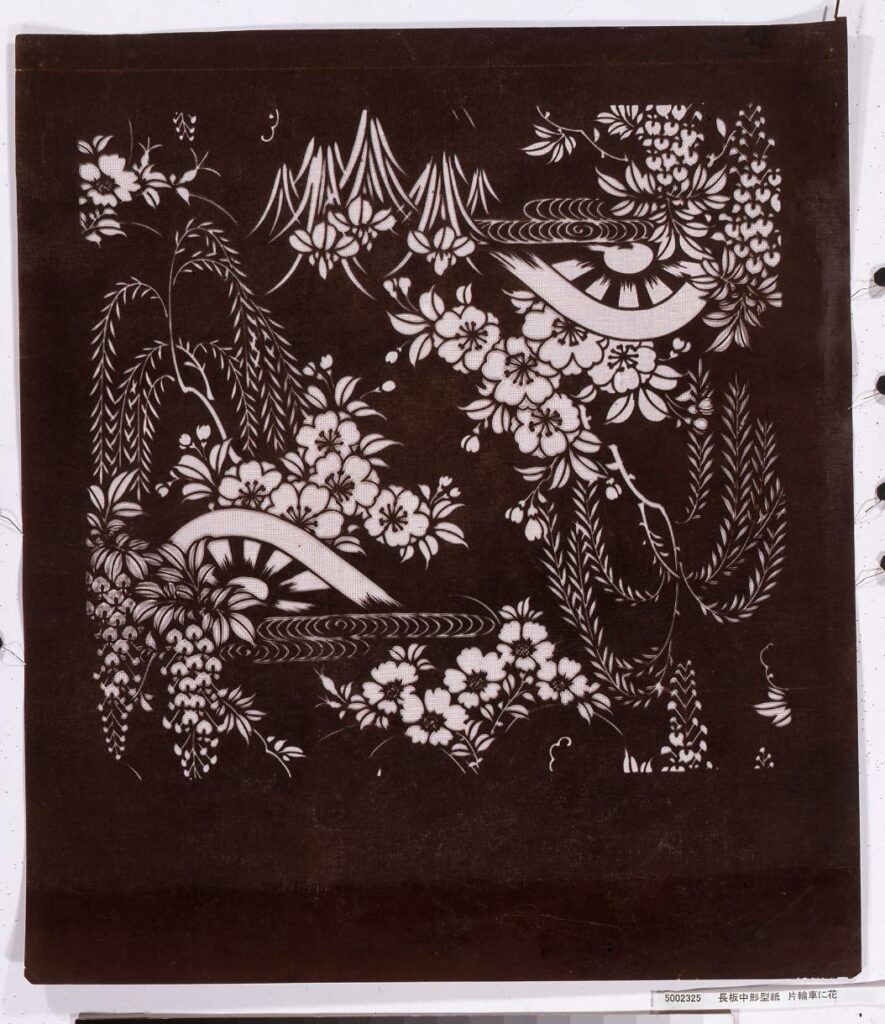 作品画像:長板中形型紙 片輪車に花