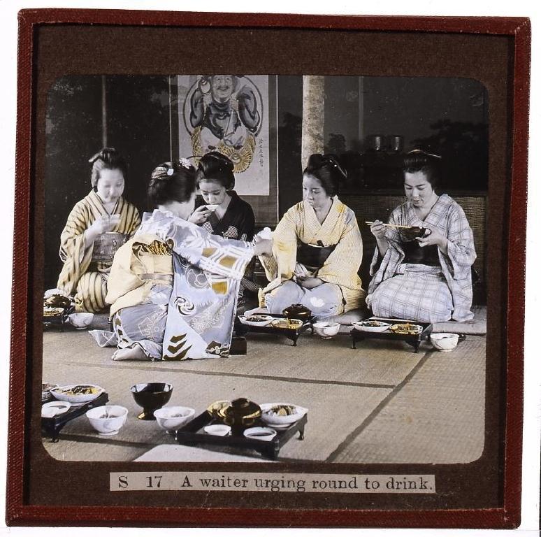 作品画像:酌をする女性・食事風景