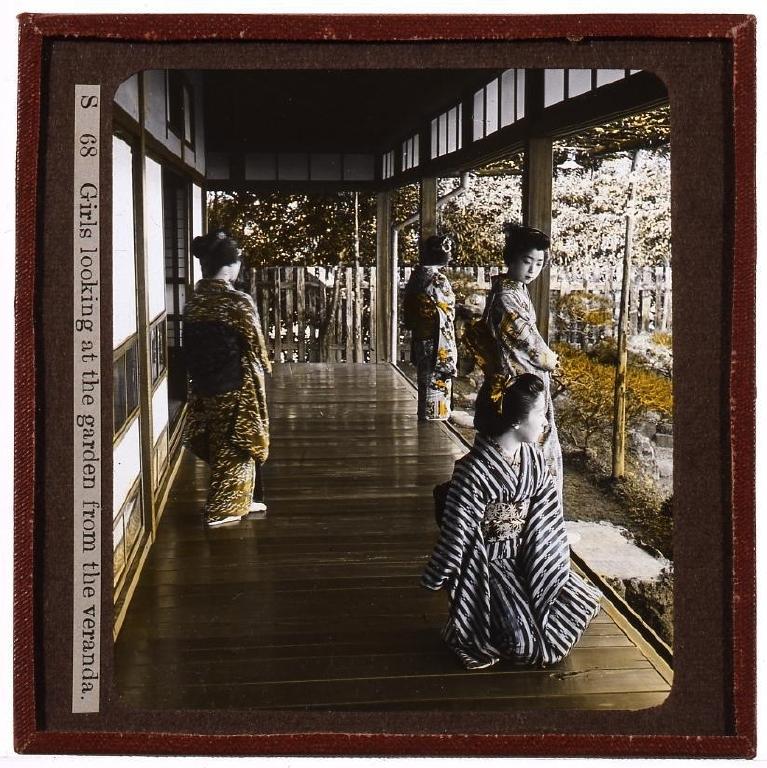 作品画像:庭を眺める女性たち