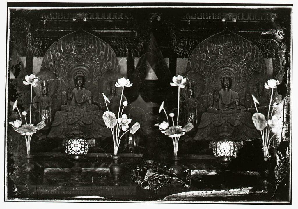 作品画像:法隆寺金堂釈迦三尊像