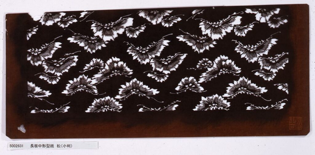 作品画像:長板中形型紙 松(小判)