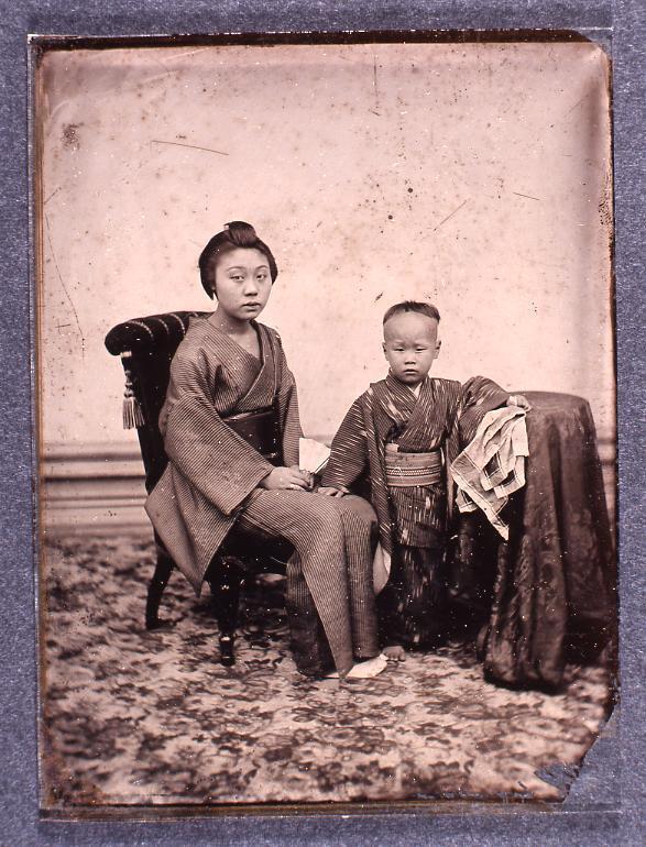 作品画像:女性と少年