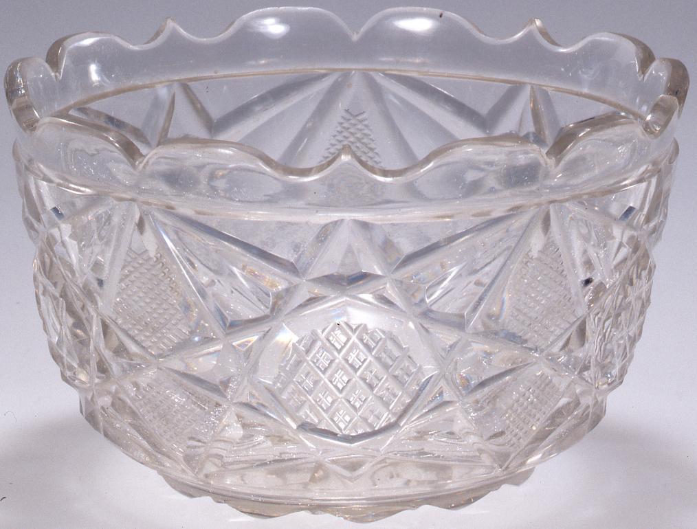 作品画像:江戸切子輪花型小鉢