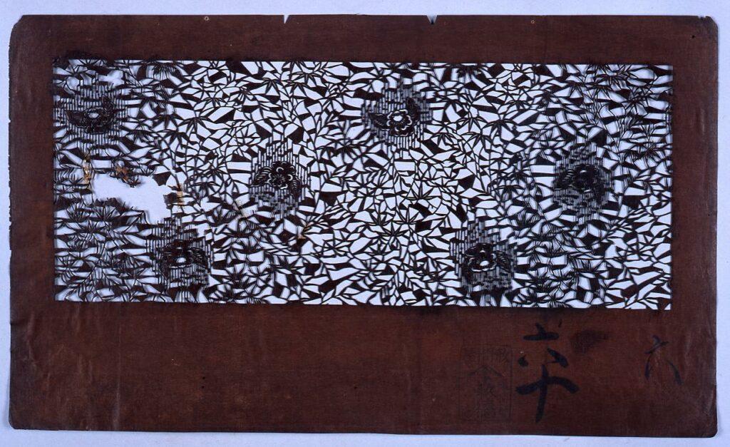 作品画像:長板中形型紙 竹に雀(小判 追掛)