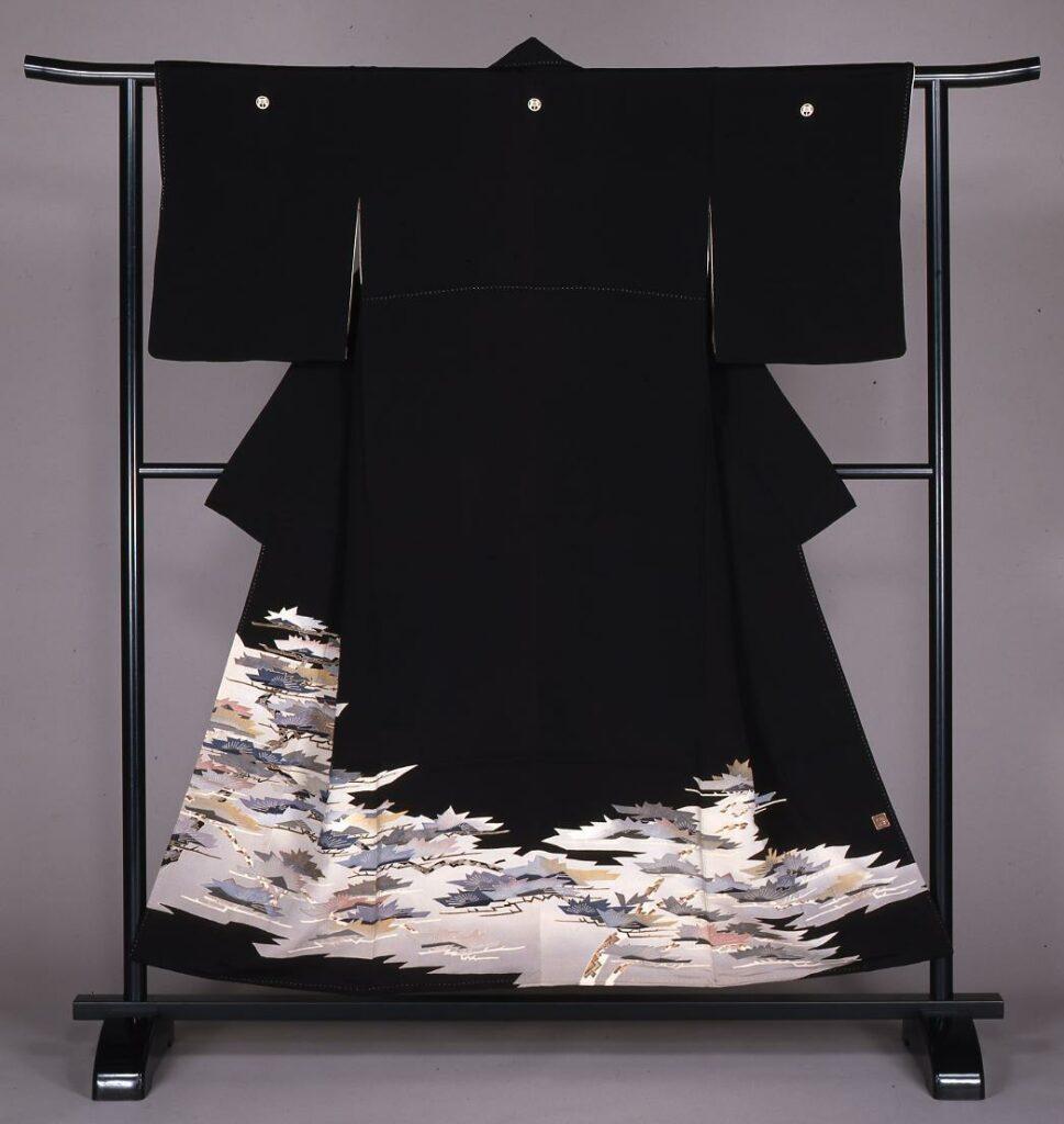 作品画像:松模様留袖