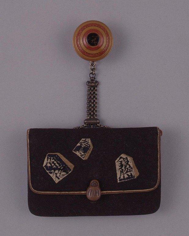 作品画像:縫つぶし将棋駒文一つ提げたばこ入れ