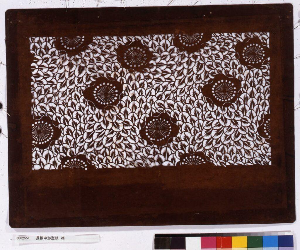 作品画像:長板中形型紙 梅
