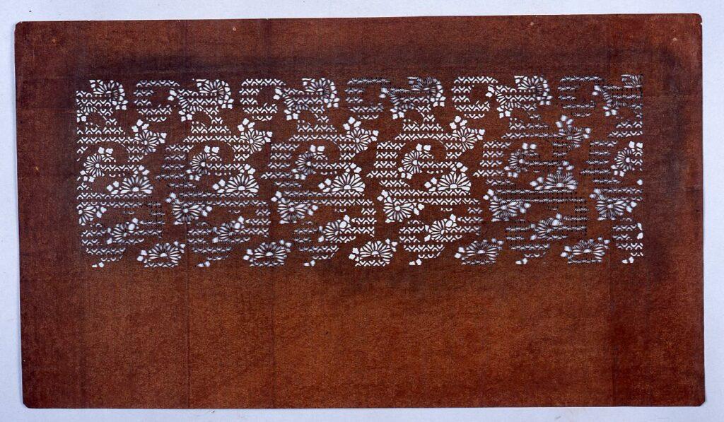 作品画像:長板中形型紙 野菊 (小判 追掛)