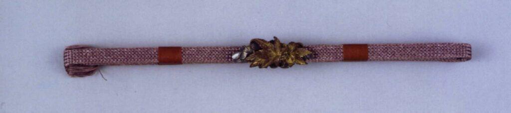 作品画像:吉野立田(紅葉に桜)彫帯留付帯締