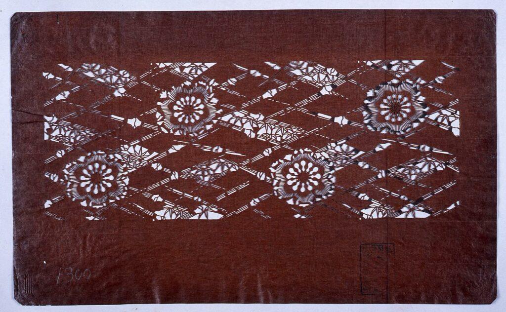 作品画像:長板中形型紙 菱竹に梅 (小判 追掛)