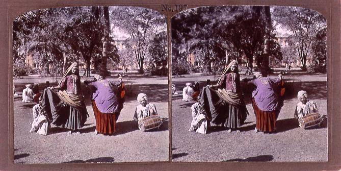 作品画像:踊るインドの女性(No.197)