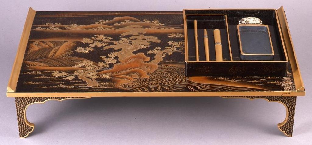 作品画像:吉野山蒔絵文台並びに硯箱