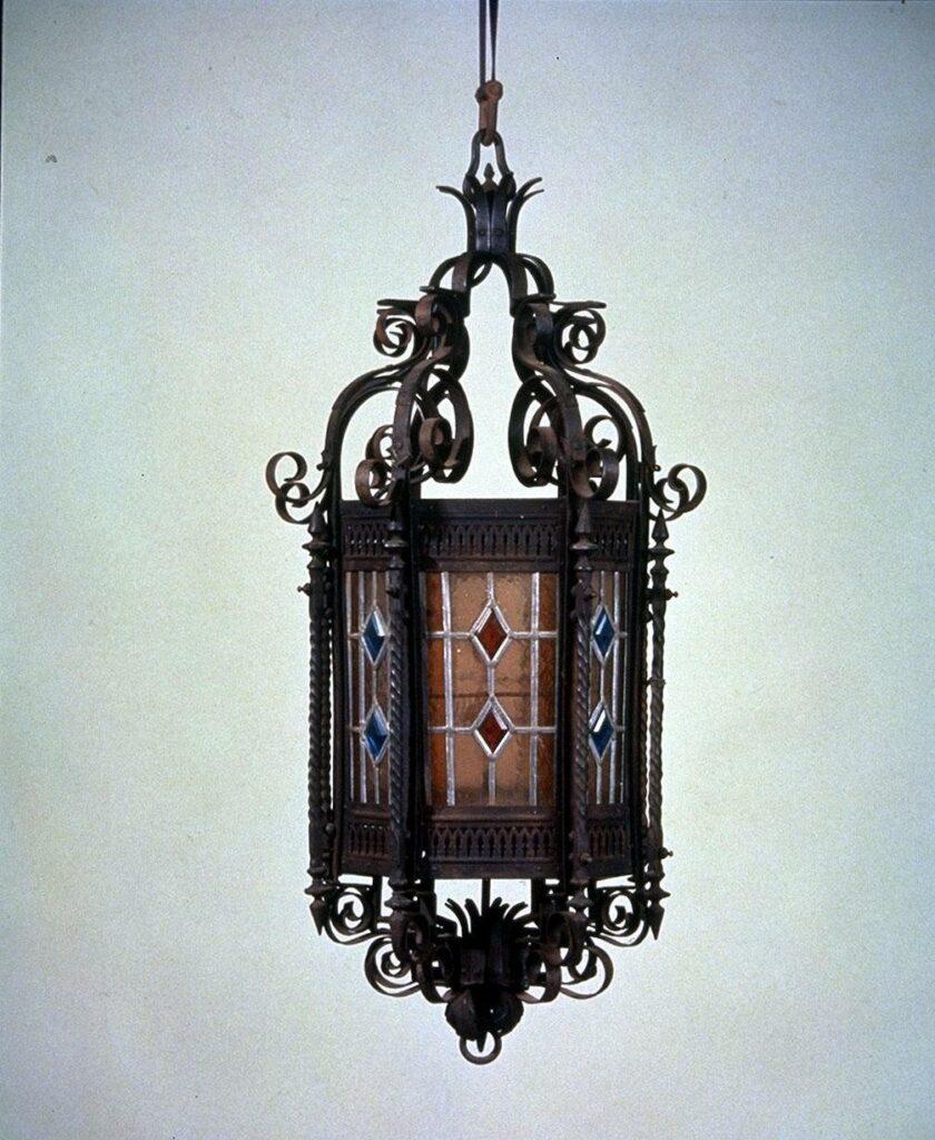 作品画像:吊り型ガス灯