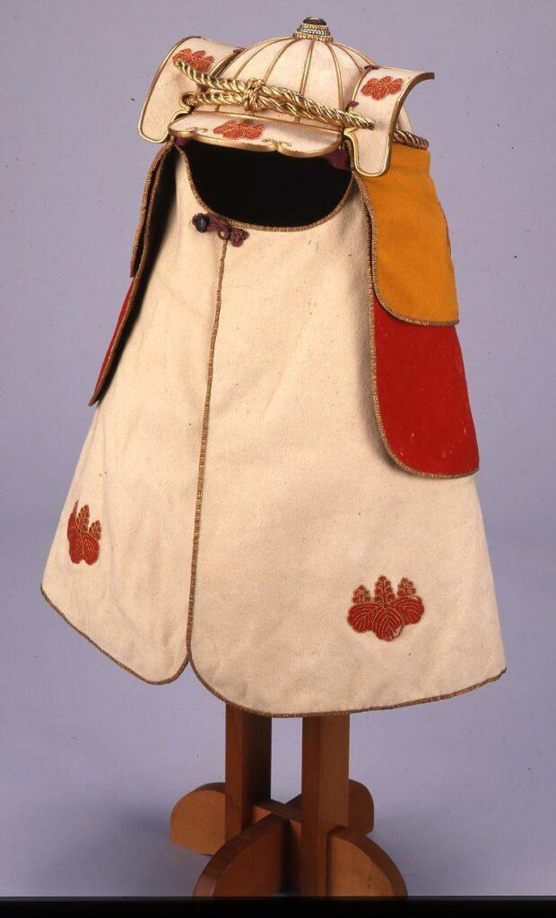 作品画像:兜頭巾 (火事装束の一部 桐紋付)
