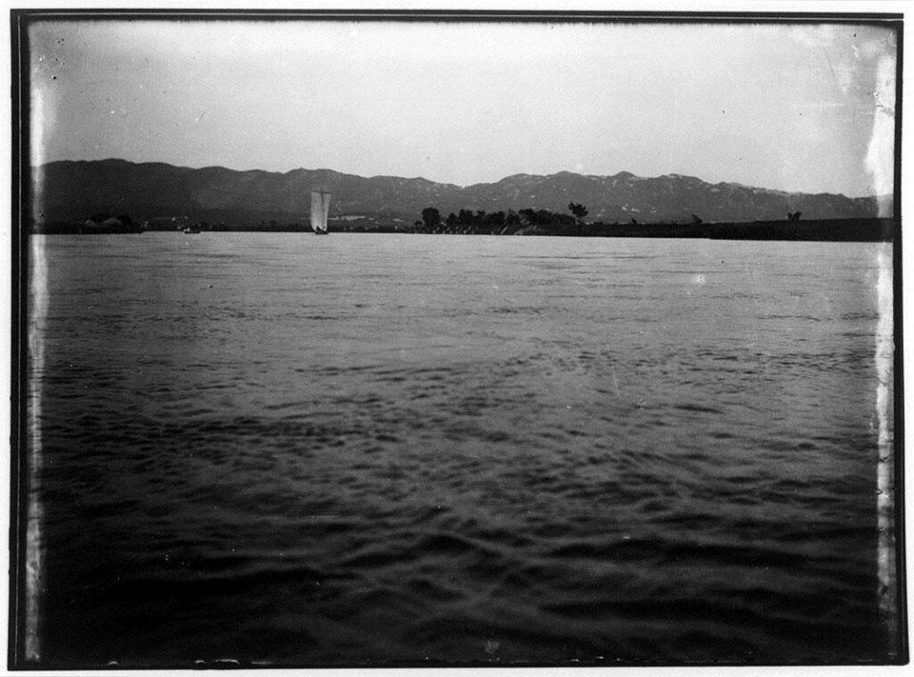 作品画像:海の帆掛け船