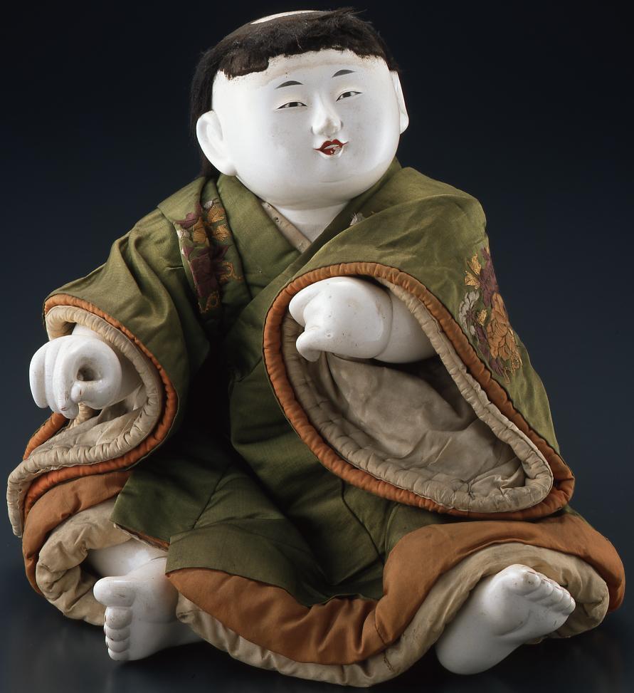 作品画像:和宮下賜御所人形「打出の小槌を曳く童子」