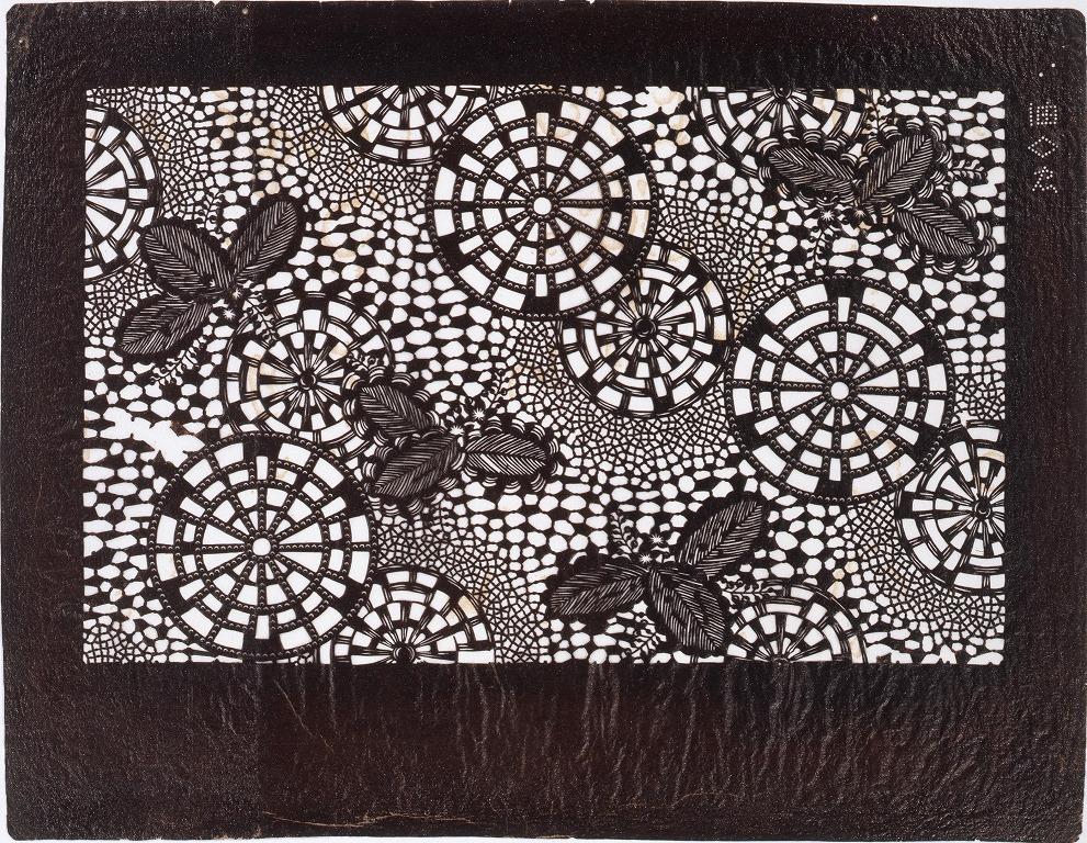 作品画像:長板中形型紙 藤に源氏車 (小判 追掛)