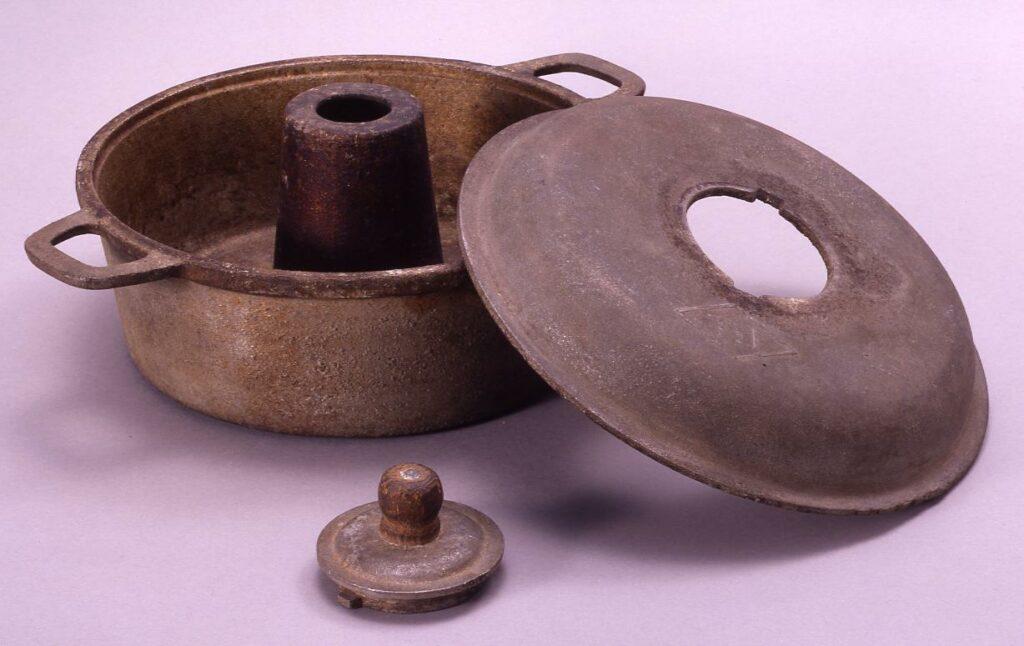 作品画像:ジュラルミン製パン焼器