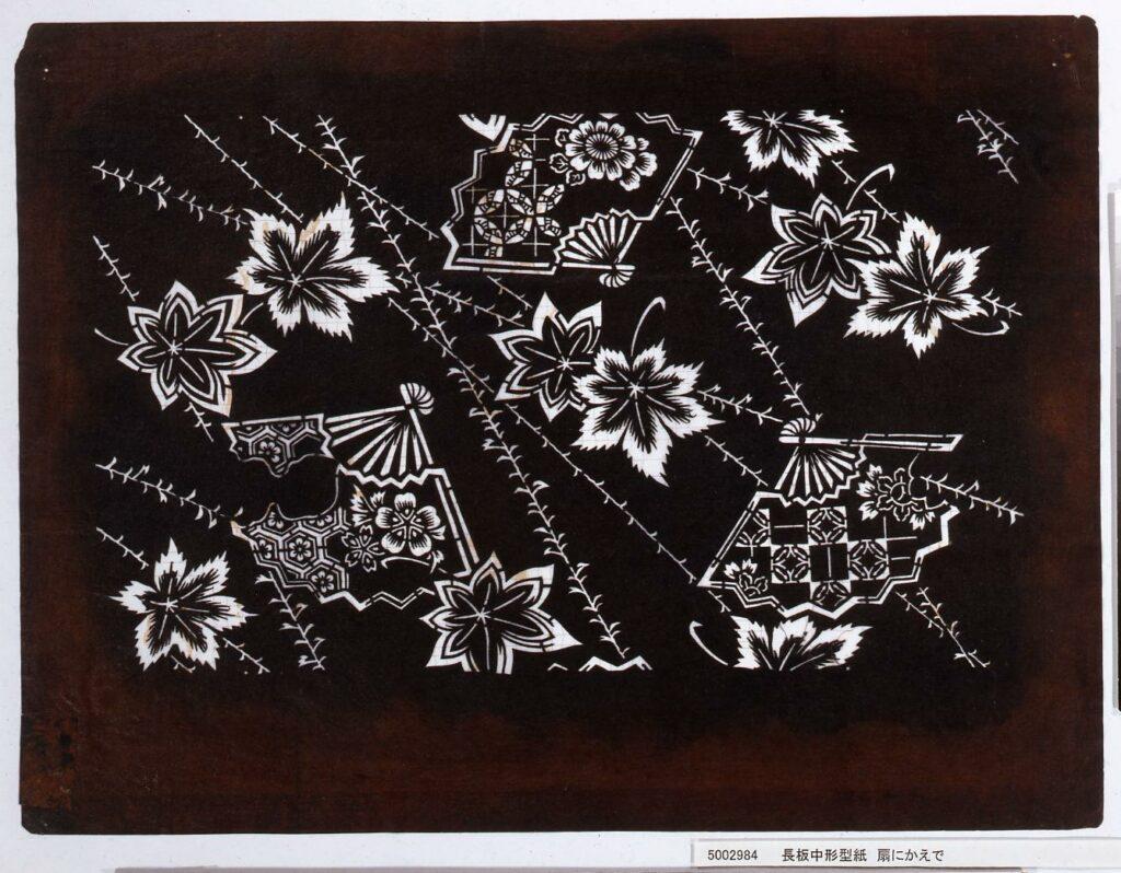 作品画像:長板中形型紙 扇にかえで