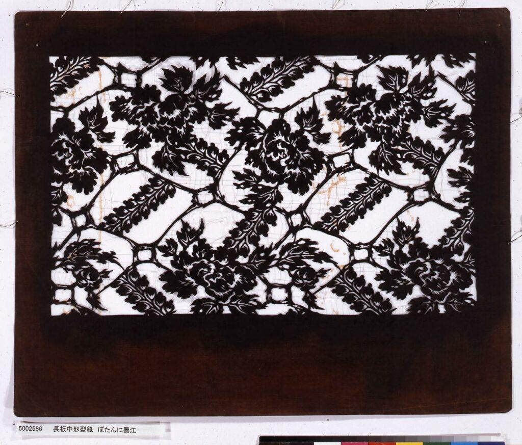 作品画像:長板中形型紙 ぼたんに蜀江