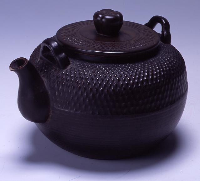 作品画像:陶製やかん