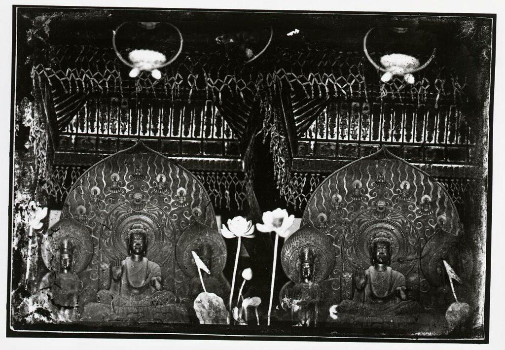 作品画像:法隆寺 金堂金銅釈迦三尊像