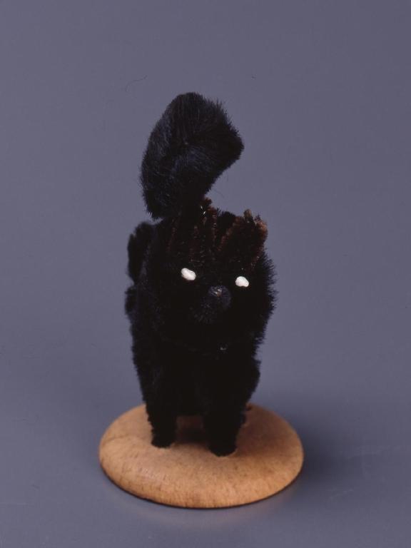 作品画像:モール製人形 黒猫