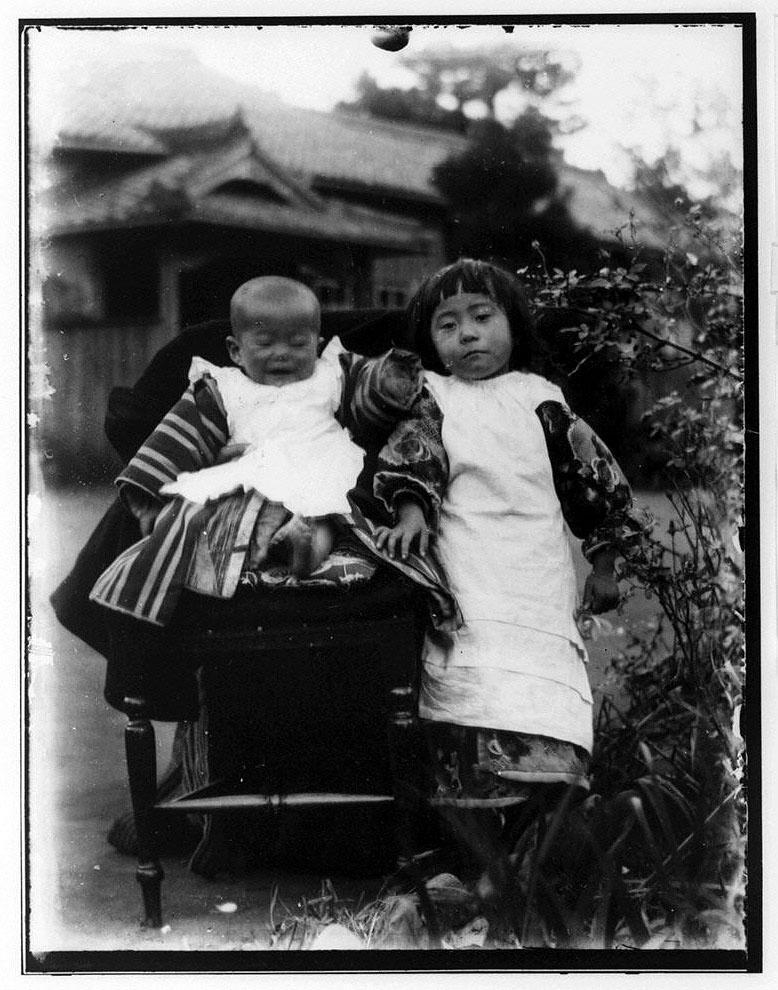 作品画像:幼児と少女