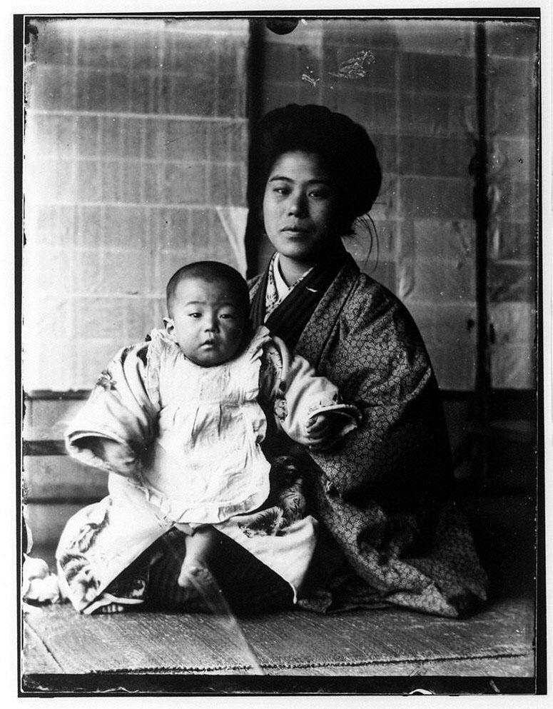 作品画像:幼児と女性