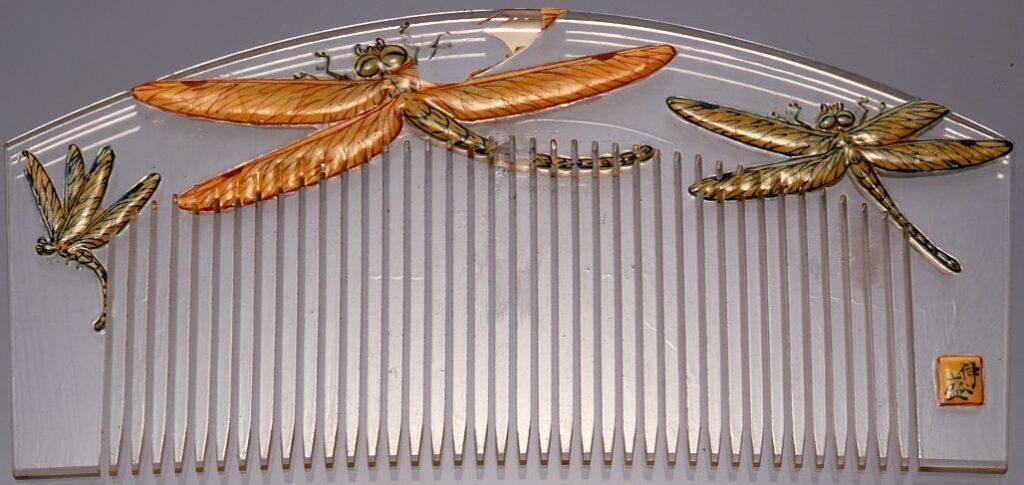 作品画像:水晶製蜻蛉画櫛