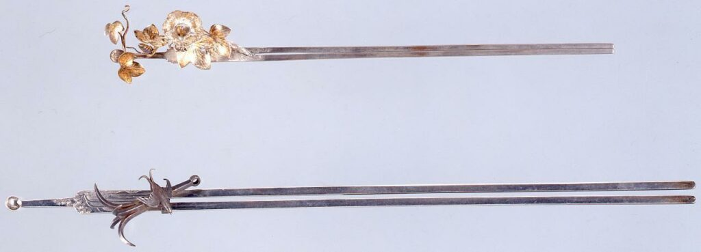 作品画像:銀錨に燕滝彫琴柱足替簪