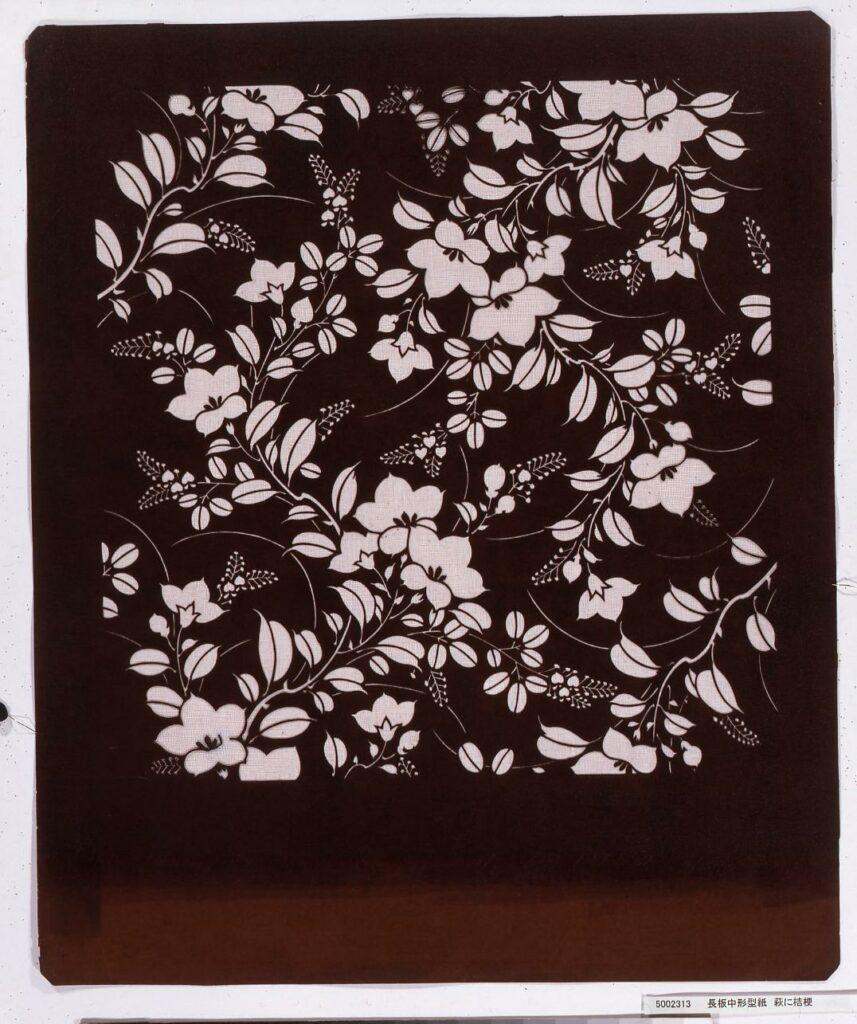 作品画像:長板中形型紙 萩に桔梗