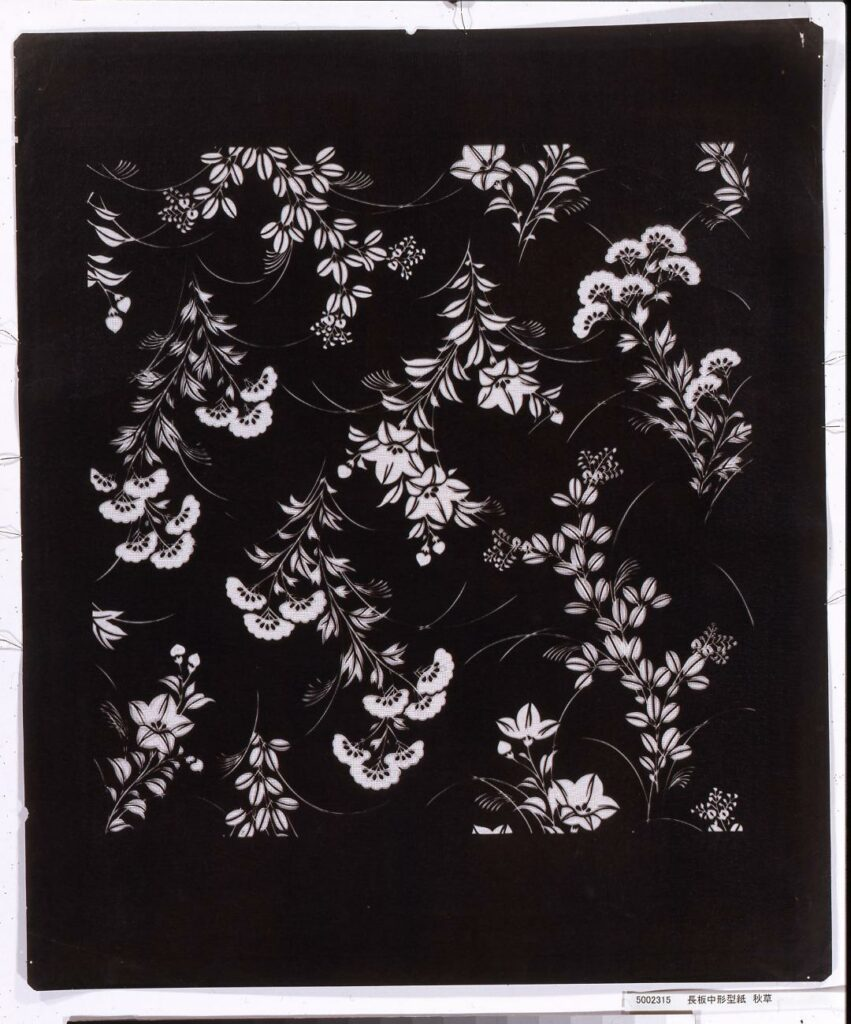 作品画像:長板中形型紙 秋草