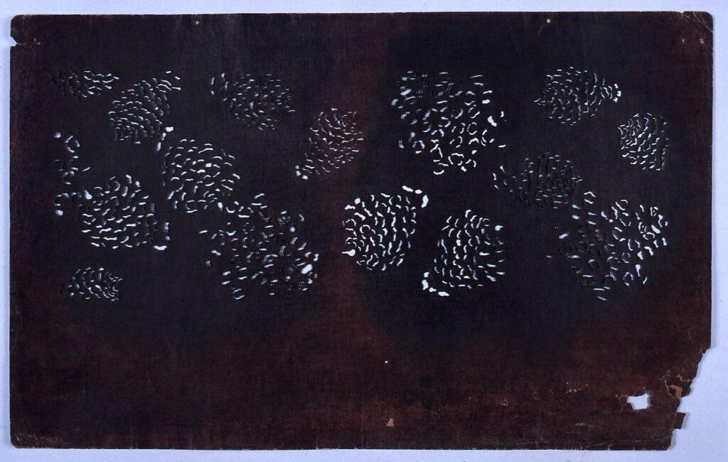 作品画像:長板中形型紙 松ぼっくり (小判 追掛)