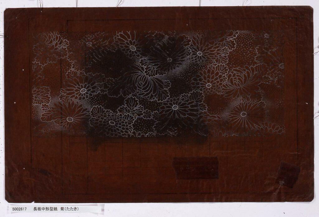 作品画像:長板中形型紙 菊(たたき)